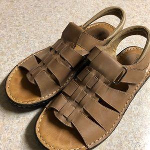 Minnetonka size 8 sandals